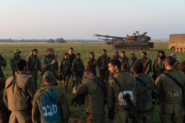 مناورات عسكرية في أوفاكيم