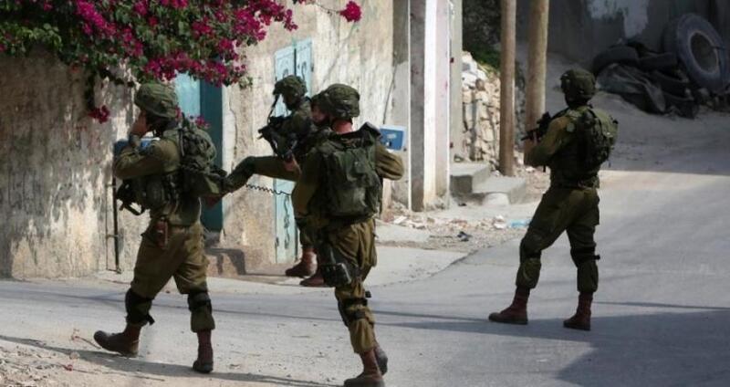 جيش الاحتلال يشن حملة دهم واعتقال بالضفة الغربية والقدس