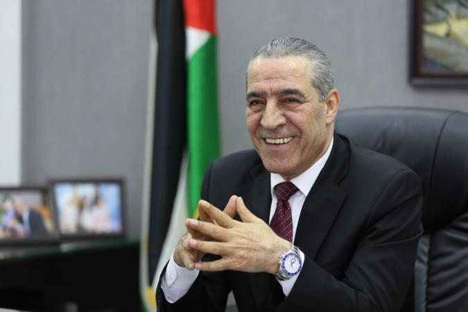 الشيخ: أبلغنا إسرائيل أننا سنصرف على الأسرى وذويهم ولو أدى ذلك لانهيار السلطة