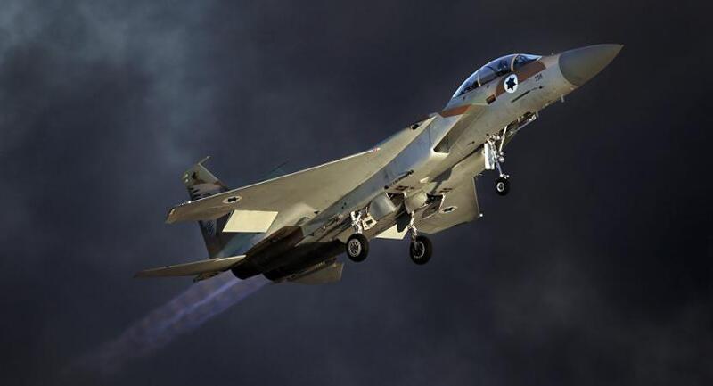 الاحتلال يقصف عدة أهداف في قطاع غزة