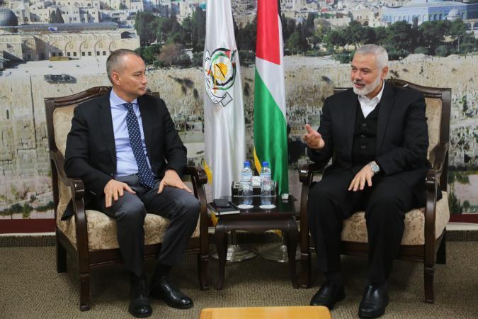 """هذا ما أبلغته حركة حماس لـ """"ملادينوف"""" في غزة اليوم"""