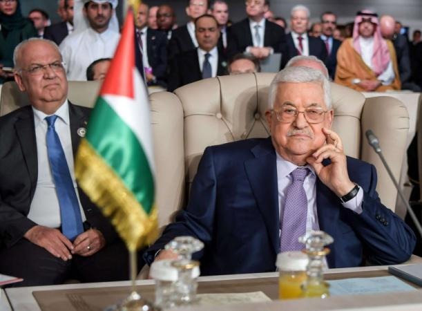 """الرئيس عباس: لن نكون عبيدا أو خدما لـ """"فريق ترامب"""""""