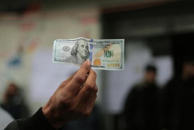 صرف المنحة القطرية 100 دولار للأسر الفقيرة الأيام القادمة