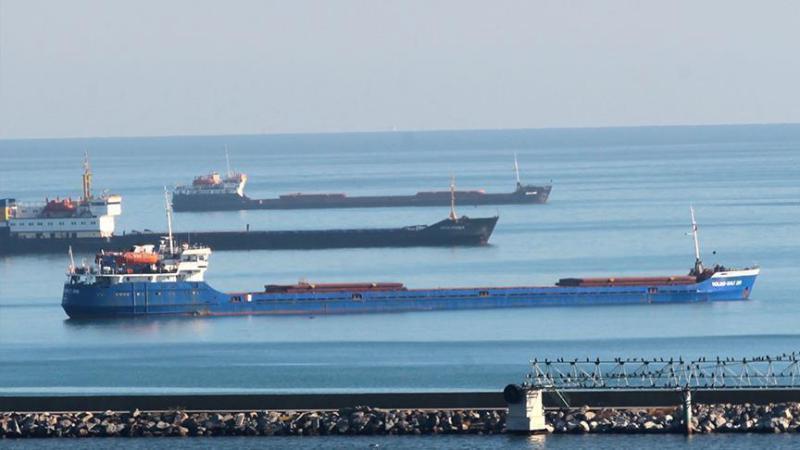 استهداف ناقلتي نفط عملاقتين في مياه بحر عمان