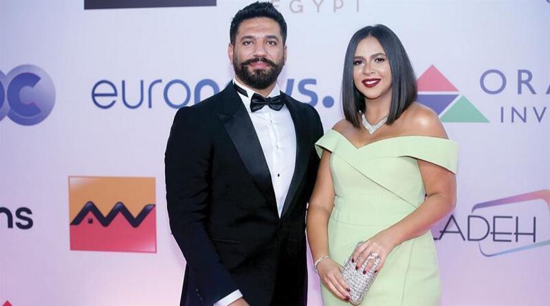 حسن الرداد: لن أتزوج على إيمي نهائيا!