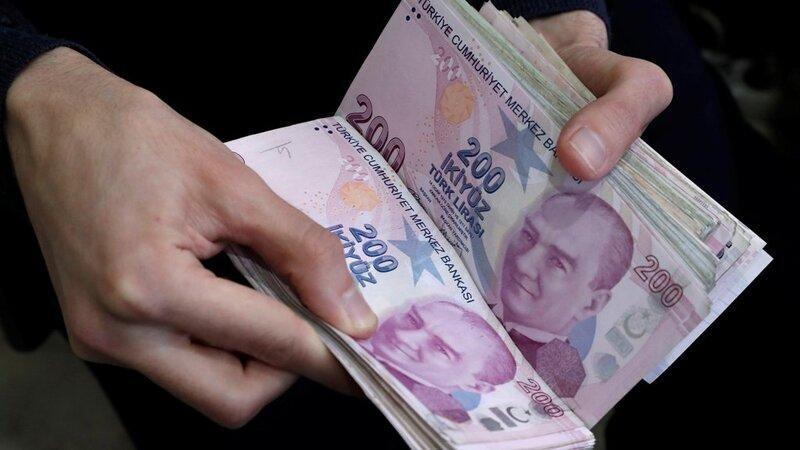 محللون يتوقعون استمرار اضطراب الليرة التركية طويلاً