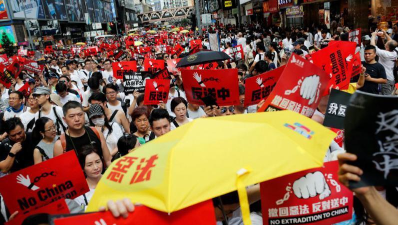 مسيرة ضخمة في هونغ كونغ