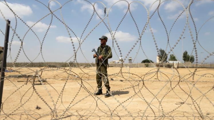 إسرائيل تسمح بإدخال الأسلاك الفولاذية الى قطاع غزة