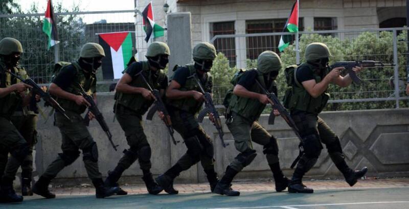 إصابة أحد أفراد الأمن الوقائي برصاص الاحتلال خلال محاصرة مقره في نابلس