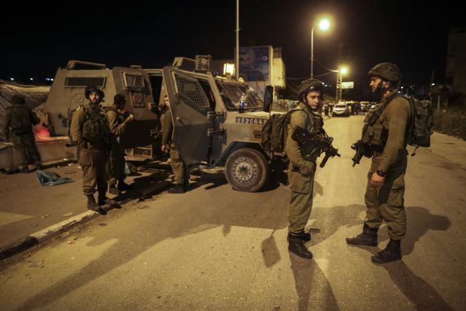 حملة مداهمات واعتقالات بالضفة الغربية