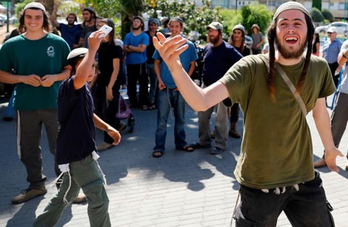 فلسطيني ساعد المستوطنين وعرض حياته للخطر.. كيف كافأته إسرائيل؟