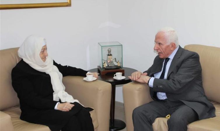 تسهيلات للعمالة الفلسطينية.. الأحمد: بوادر ايجابية في الحوار الفلسطيني اللبناني