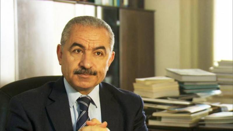 بعثة الكويت تطلع رئيس الوزراء على تفاصيل التعاقد مع 300 معلم فلسطيني