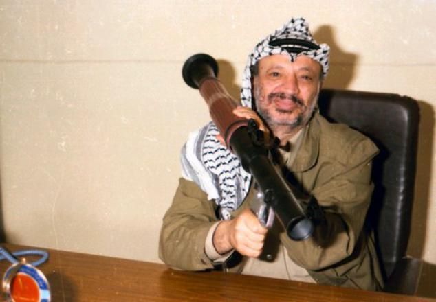 اتهام السلطة والرئيس الراحل أبو عمار ومروان البرغوثي بالوقوف خلف هجمات بالانتفاضة الأقصى