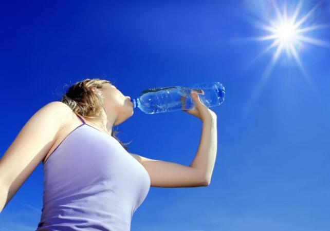 موجات حر شديدة منتصف الأسبوع ودرجة الحرارة تصل لـ 40
