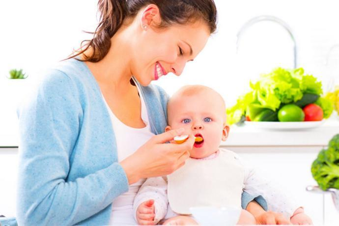 7 خطوات لتغذية طفلك الرضيع بطريقة صحية