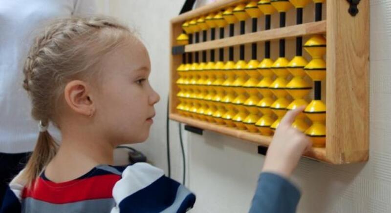 """""""السوروبان"""".. برنامج سحري لتعزيز قدرات الأطفال الذهنية"""