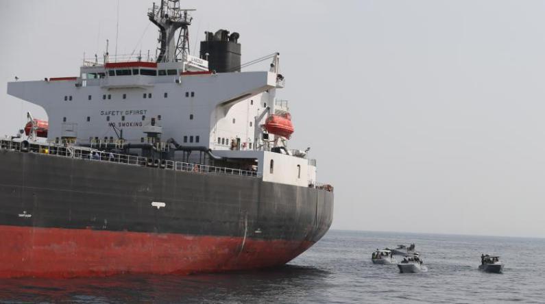 أمريكا تحقق بعد اختفاء حاملة نفط اماراتية بالمياه الإيرانية