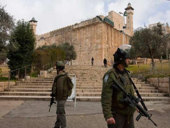الاحتلال منع رفع الأذان 294 وقتا في الحرم الإبراهيمي