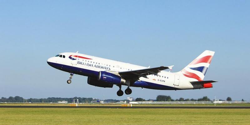 بريطانيا تحذر رعاياها من هجمات في مصر وتعلق رحلاتها الجوية
