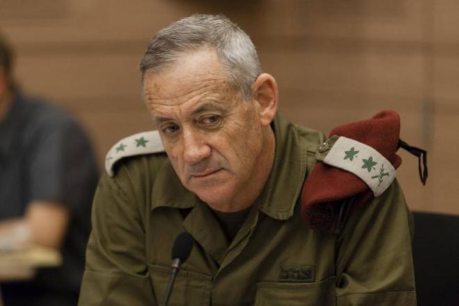 غانتس يهدد غزة: صاروخ مقابل كل طائرة ورقية يطلق منها
