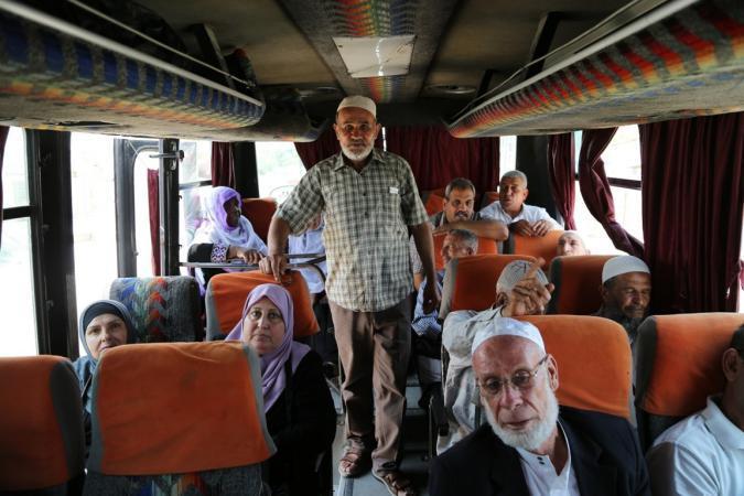 أهالي أسرى غزة يزورون 25 معتقلاً في سجن نفحة