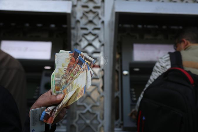 الحكومة الفلسطينية: سنحدد نسبة صرف رواتب الموظفين في غزة والضفة كل شهر
