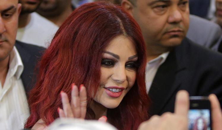 إعلامي لبناني يكشف السبب الحقيقي وراء استقالة مدير أعمال هيفاء وهبي