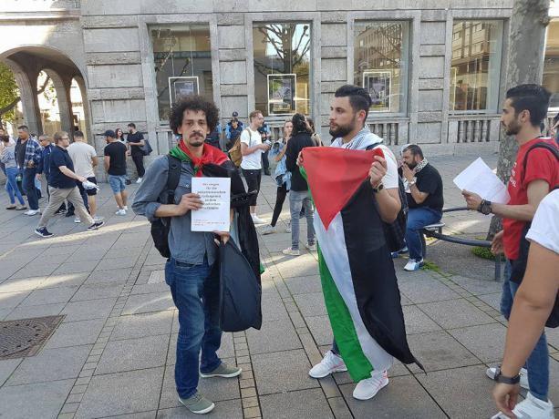 الجالية الفلسطينية في ألمانيا تطالب لبنان بترسيم القانونين 128و 129