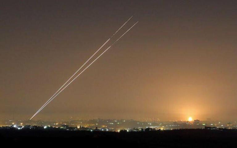 هآرتس تكشف سبب إطلاق الصواريخ من قطاع غزة
