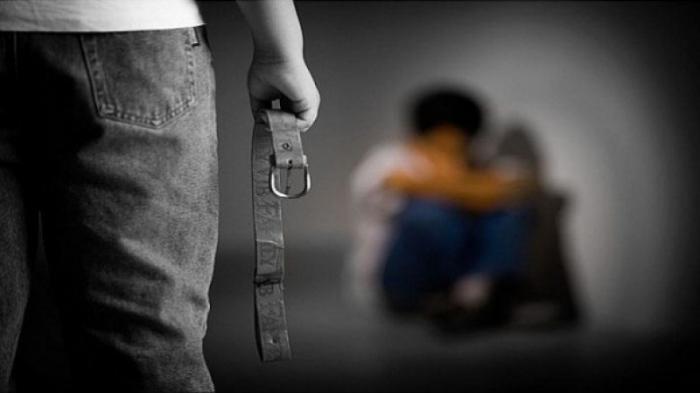 في فلسطين.. أب يُعذب ويحتجز نجله داخل مخزن 5 سنوات