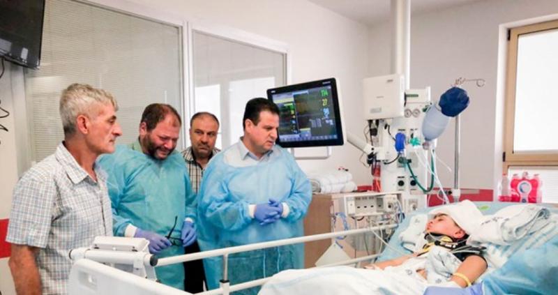 بعملية جراحية معقدة.. تركيب جمجمة صناعية للطفل الجريح اشتيوي