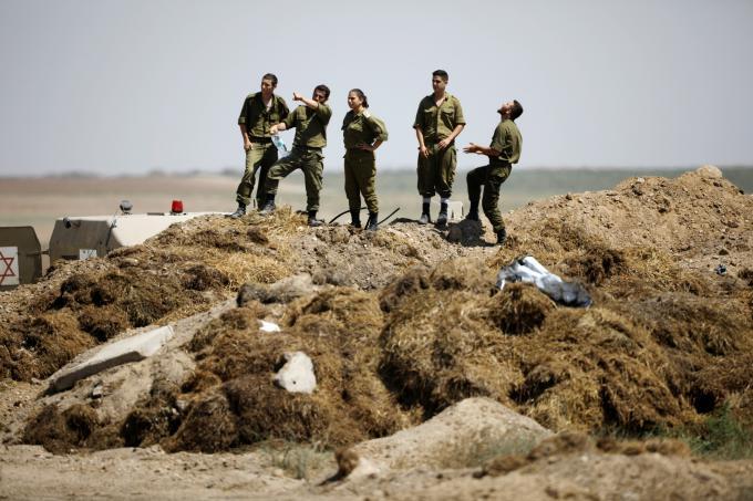 """مستوطنو """"غلاف غزة"""" يخشون الخدمة العسكرية"""
