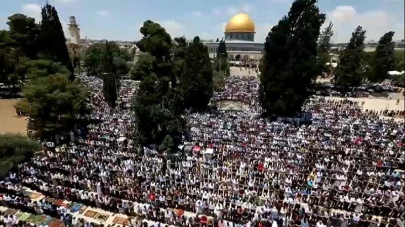 أكثر من 100 ألف يؤدون صلاة عيد الأضحى في رحاب الأقصى