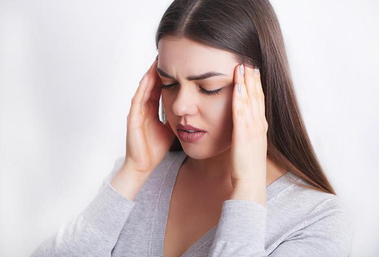 بدون أدوية.. 8 طرق منزلية تساهم في علاج الصداع