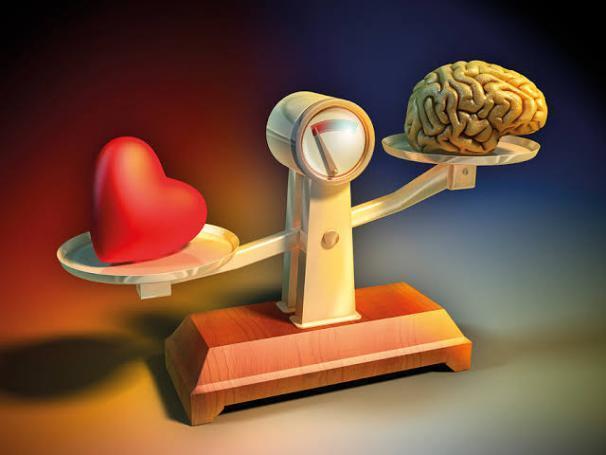 تناقضات بين العقل والقلب