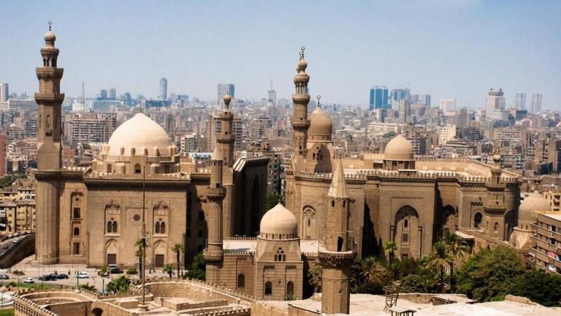 مصر.. الأوقاف تؤكد غلق مساجد البلاد اليوم الجمعة باستثناء مسجد واحد