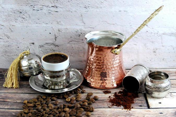 دراسة: شرب القهوة يقي من الإصابة بالسرطان