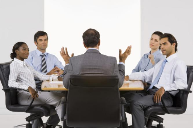 كيف تعالج الأخطاء الشائعة التي يرتكبها المديرون في العمل؟