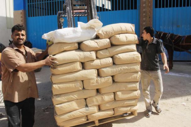 ارتفاع سعر الاسمنت واختفائه من أسواق غزة والاقتصاد تحذر
