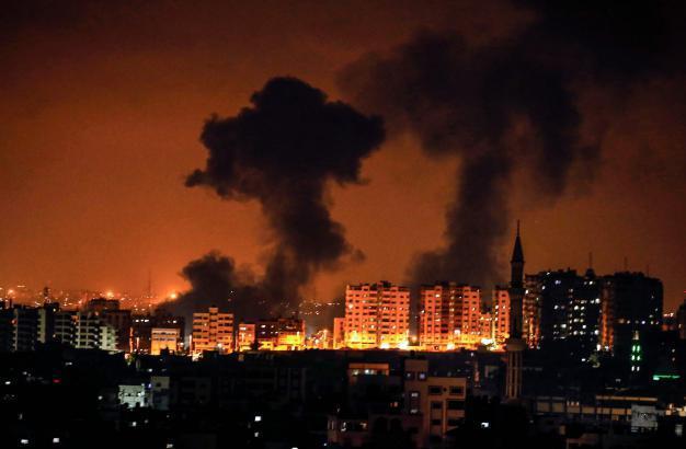 الطائرات الإسرائيلية تقصف غزة الآن