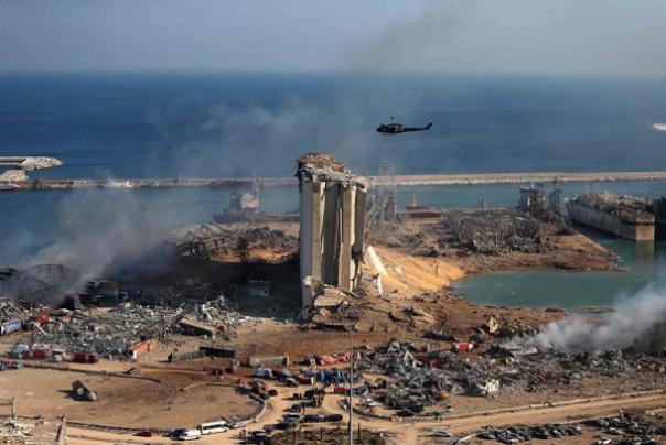 """مستشار الرئيس اللبناني يتوعد بالرد على """"إسرائيل"""" إذا ثبُت تورطها بانفجار بيروت"""