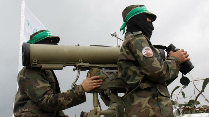 حماس: المقاومة لن تتردد في خوض المعركة مع الاحتلال في حال استمر التصعيد والحصار