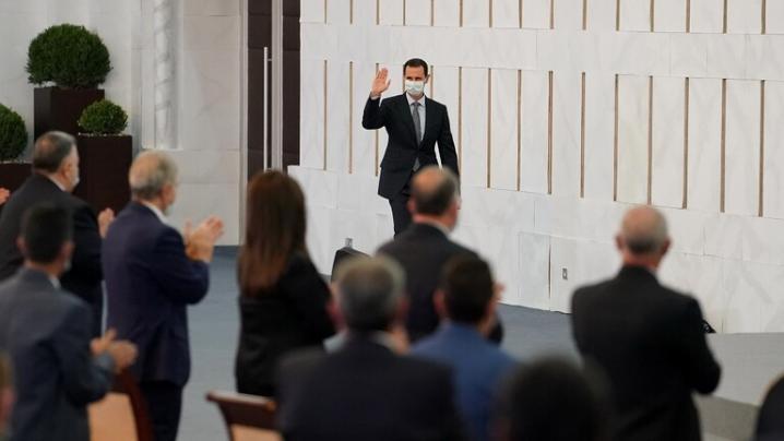 """بشار الأسد: واشنطن وأنقرة حولتا المبادرات السياسية إلى """"خزعبلات سياسية"""""""