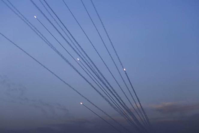 العمادي يغادر القطاع بعد تعثر المفاوضات وإسرائيل تضغط على غزة والفصائل تهدد