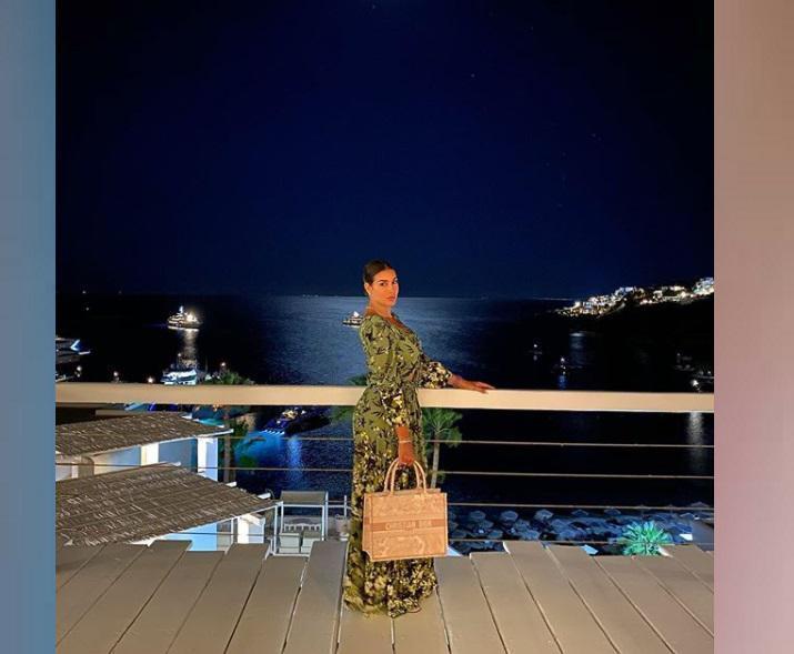 صور ياسمين صبري خلال عطلتها الصيفية فى اليونان