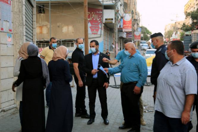 أبو نعيم: لن نتمكن من العودة للحياة الطبيعية دون الالتزام بإجراءات الوقاية والسلامة