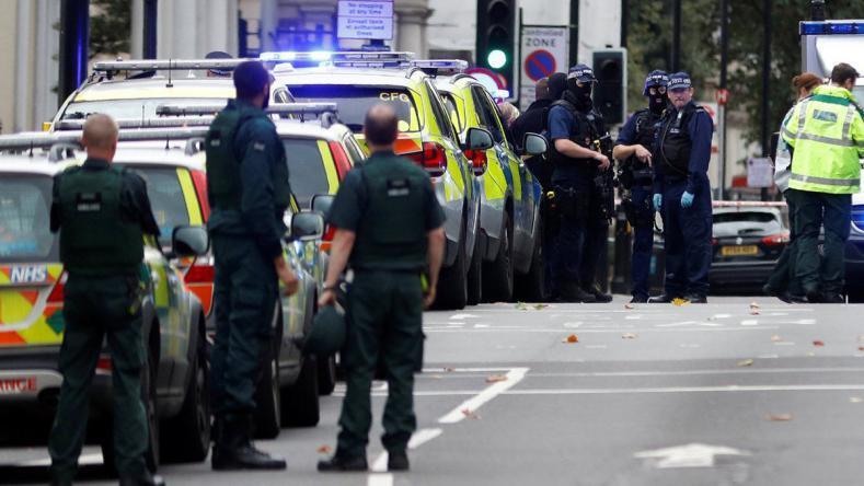 مقتل شرطي على يد رجل رهن الاحتجاز في لندن