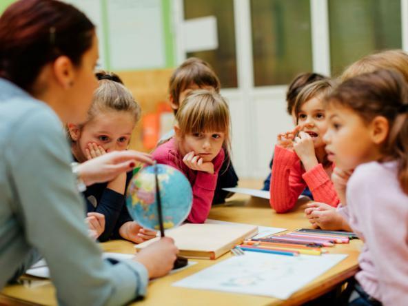 دراسة حديثة تؤكد أن القراءة الجماعية تعزز الإبداع اللغوي