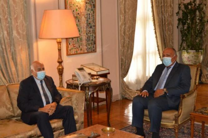 الرجوب يطلع وزير الخارجية المصري على آخر مستجدات الاتفاق بين فتح وحماس